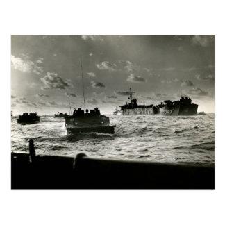 Asalto Iwo Jima de los infantes de marina de WWII Tarjetas Postales