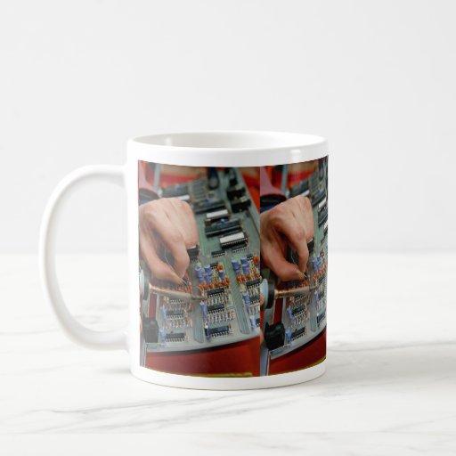 Asamblea electrónica de la placa de circuito taza de café