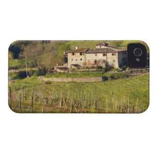 Aschuito, una granja de trabajo que acepta a carcasa para iPhone 4 de Case-Mate