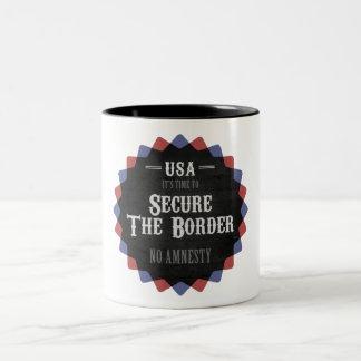 Asegure la frontera taza de dos tonos