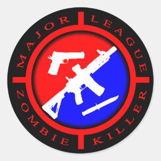 Asesino del zombi de la primera división - armas pegatina redonda