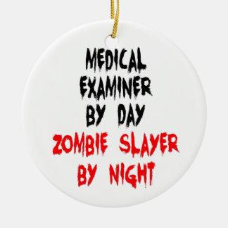Asesino del zombi del examinador médico adorno redondo de cerámica