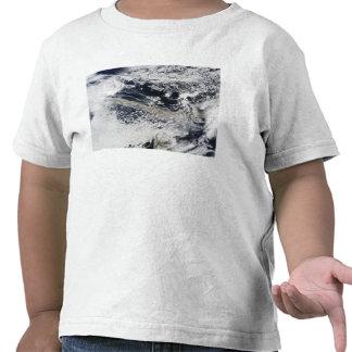 Ash plume from Eyjafjallajokull Volcano Tshirt
