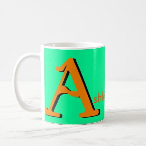 Ashley personalizó la taza