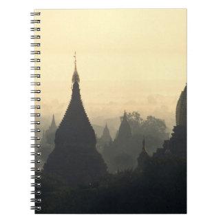 Asia, Birmania, (Myanmar), (Bagan) aire caliente p Spiral Notebook
