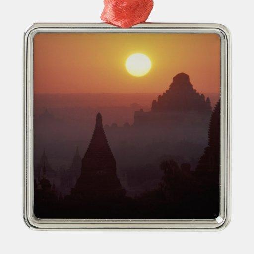 Asia, Birmania, (Myanmar), Pagan (Bagan) el templo Ornatos