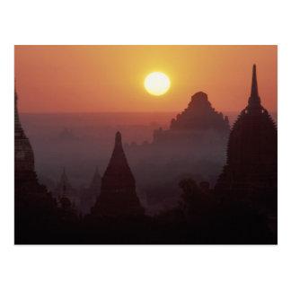 Asia, Birmania, (Myanmar), Pagan (Bagan) el templo Postales