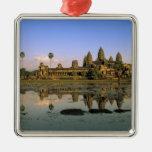 Asia, Camboya, Siem Reap. Angkor Wat. 2 Ornamentos Para Reyes Magos