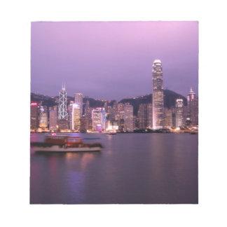 Asia, China, Hong Kong, horizonte de la ciudad y Bloc De Notas