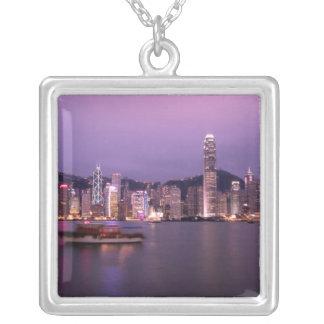 Asia, China, Hong Kong, horizonte de la ciudad y Colgante Cuadrado
