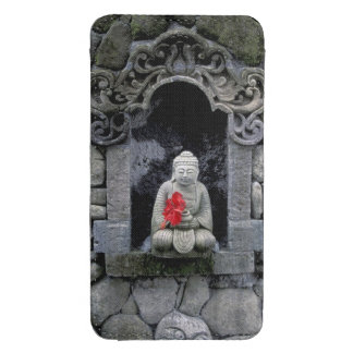 Asia, Indonesia, Bali. Una capilla de Buda Funda Acolchada Para Móvil