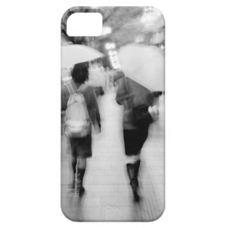 Asia, Japan, Tokyo. Young women and umbrellas. iPhone SE/5/5s Case