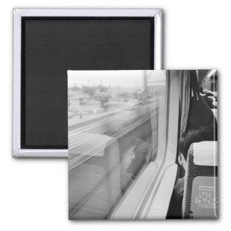 Asia, Japón. A bordo del tren de bala de Shinkanse Imán Cuadrado