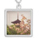 Asia, Japón, Kyoto, templo de Kiyomizu en Colgante Cuadrado