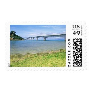 Asia, Japón, Okinawa, puente de Kouri Estampilla