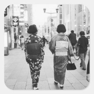 Asia, Japón, Tokio. Geishas en el Ginza. Pegatina Cuadrada