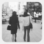 Asia, Japón, Tokio. Mujeres jovenes en el Ginza. Pegatina Cuadrada