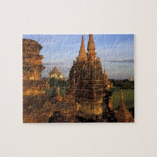 Asia, Myanmar, Bagan. Templos antiguos y Rompecabeza