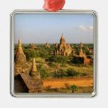 Asia, Myanmar (Birmania), Bagan (Pagan). Diverso Adorno Cuadrado Plateado