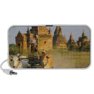 Asia Myanmar Birmania Bagan Pagan Un carro iPod Altavoces