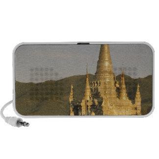Asia, Myanmar, lago Inle. Pagodas iPhone Altavoces
