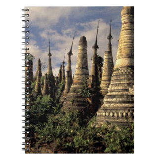 Asia, Myanmar, lago Inle. Ruinas antiguas de Spiral Notebook