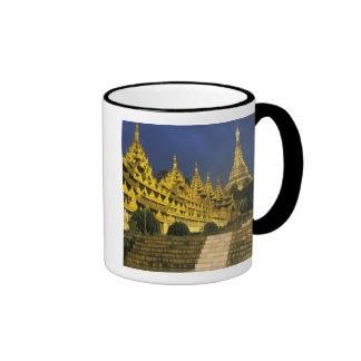 Asia, Myanmar, Rangún. Pagoda de Shwedagon en Taza
