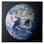 Asia vista de espacio teja cerámica