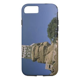 Asia, Yemen, Wadi Dhar. Rock Palace, or Dar Al iPhone 8/7 Case