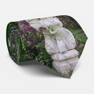 Asian Statues Tie
