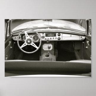 Asiento de carro clásico con una visión póster