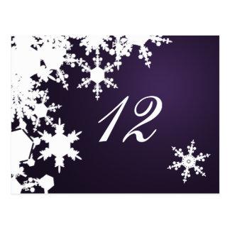 asiento púrpura de la tabla del boda del invierno postales
