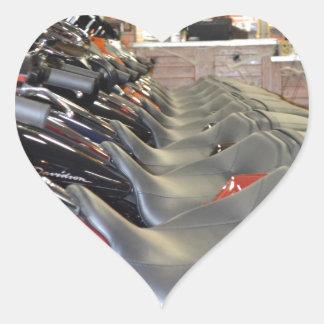 Asientos prístinos de la motocicleta pegatina en forma de corazón