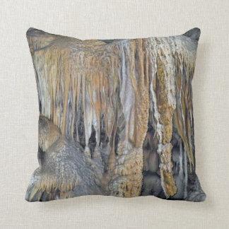 Asilo de las formas espectaculares de la caverna almohada