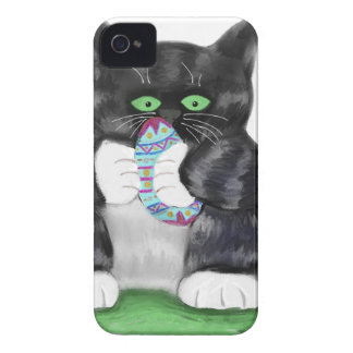 Asimientos gris oscuro del gatito del tigre iPhone 4 Case-Mate cárcasas