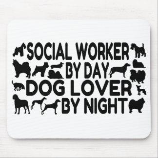 Asistente social del amante del perro mousepad