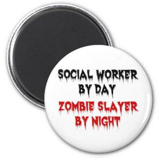 Asistente social del asesino del zombi del día por iman de frigorífico