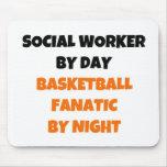 Asistente social del fanático del baloncesto del d tapetes de raton
