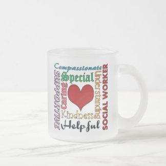 Asistente social taza de café esmerilada