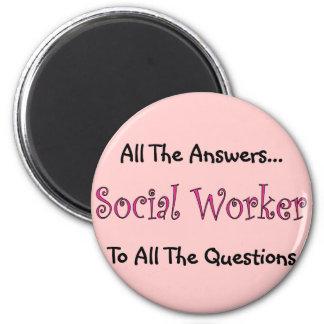 """Asistente social """"todas las respuestas """" imán redondo 5 cm"""