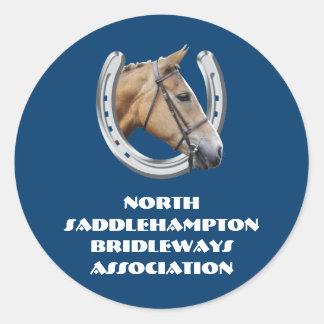 Asociación del club del montar a caballo pegatina redonda