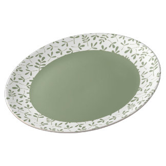 Assorted Leaves Green on Cream Rpt Ptn Edge Plate