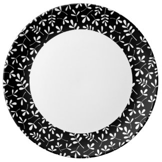 Assorted White Leaves on Black Rpt Ptn Edge Plate