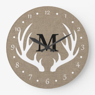 Astas blancas rústicas de los ciervos del país reloj redondo grande