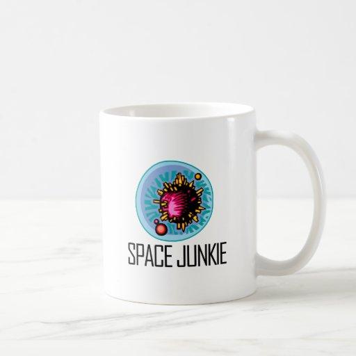 Asteroide del drogadicto del espacio taza