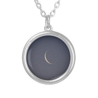Astilla de la luna collar plateado