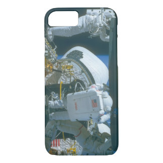 Astronaut in space_Space iPhone 7 Case
