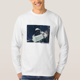 Astronaut working in space T-Shirt
