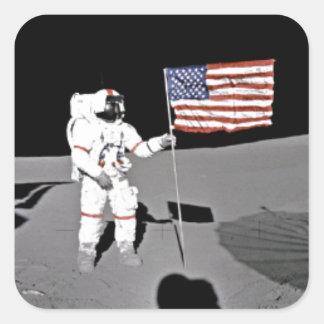 Astronauta Alan Shepard, bandera americana en la Calcomanía Cuadradas Personalizada