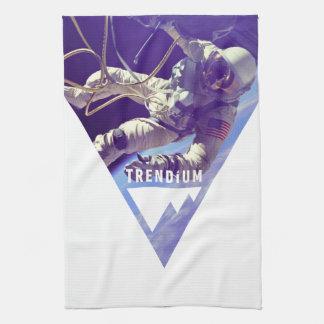 Astronauta auténtico de Trendium en triángulo inve Toallas De Mano